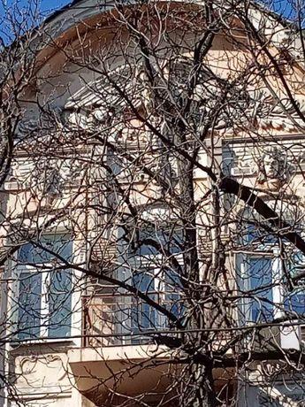 Продам 3к.квартиру в центре дом рядом с Украинским театром