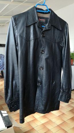 Casaco de couro de homem em preto