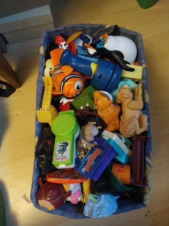 Zabawki figurki z McDonald's całe pudło