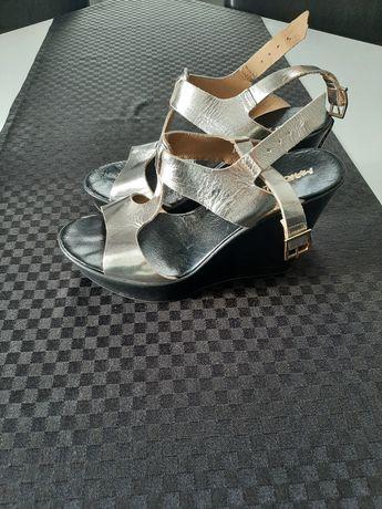 Sandały koturn 37