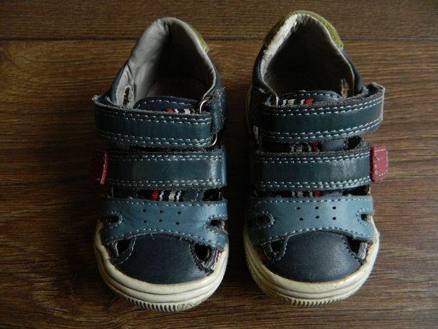 Buty niemowlęce trzewiki sandałki COOL CLUB smyk 20
