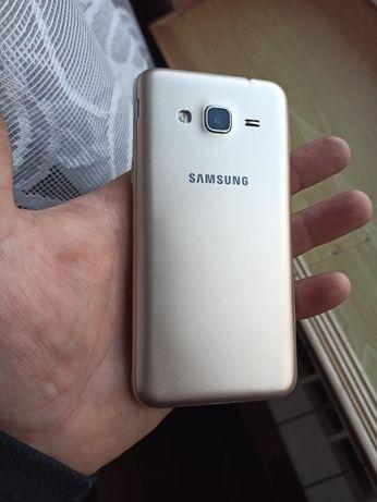 Samsung Galaxy J3 2016 wzorowy stan.