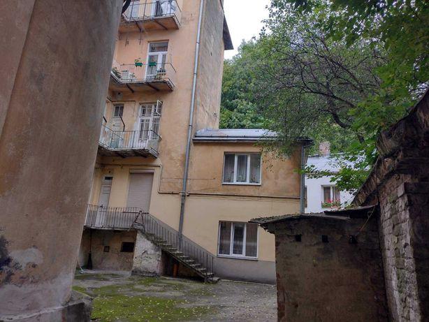 Продаж двокімнатна квартира поч. вул. Стрийська ( Стрийський парк )