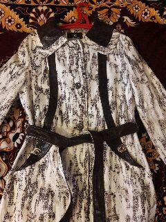 Плащ.куртка.курточка.женская.весенняя размер 46-48 пиджак 42-44 размер