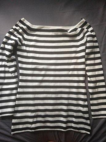 Bluzka sweterkowa w czarno białe paski