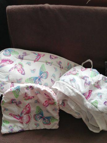 Wkładka do wózka, materac i poduszka