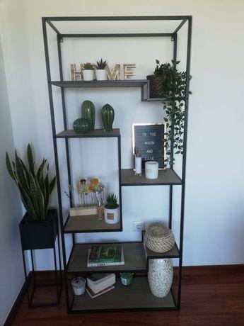Estante Loja Casa como Nova