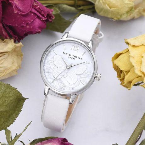Часы белые с бабочкой