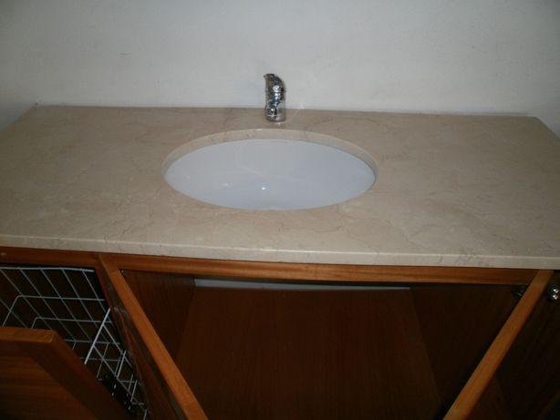 Armário de quarto de banho