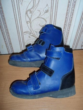 Продам ортопедические ботинки для мальчика