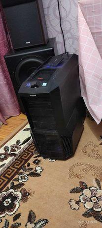 Core i7-6700K, RX580 4GB, 1TB, RAM 16GB