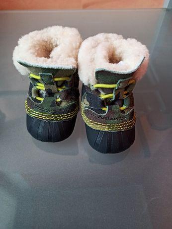 Зимние ботиночки ,пинетки