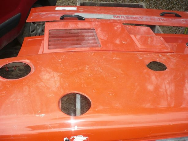 Osłona,maska silnika Massey Ferguson 3080,3085,3090,3095,3115,3125