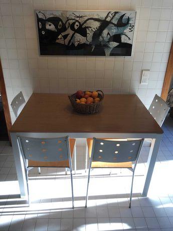 Elegante conjunto de mesa de cozinha e 4 cadeiras em faia e alumínio