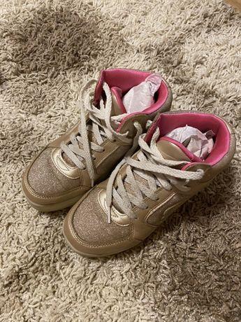 Кроссовки светящиеся Skechers