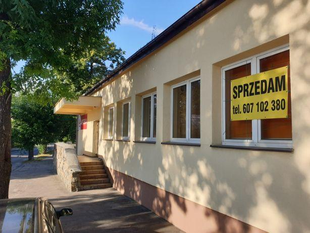 Budynek handlowo- usługowy w centrum Ostrowa Lub.