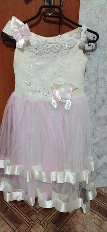Плаття нарядні.для дівчат
