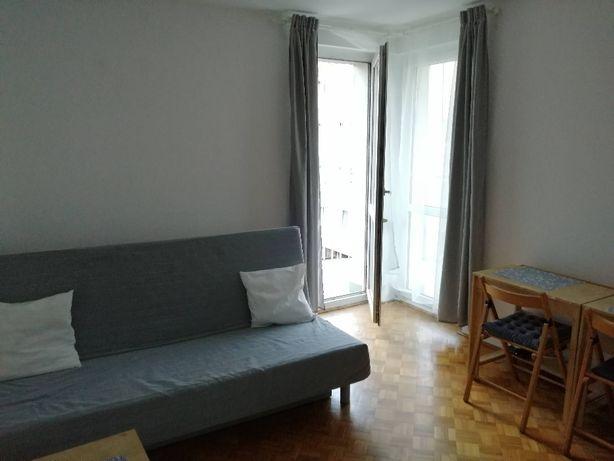 Duży pokój - 19 m2 - dla 1 lub 2 dziewczyn - osiedle Zygmunta Starego