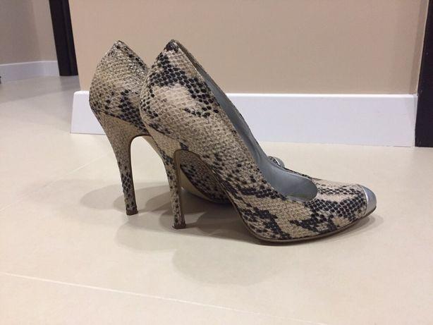 Продам туфли Сислей