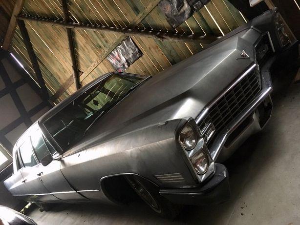 Cadillac Fleetwood 75 limo