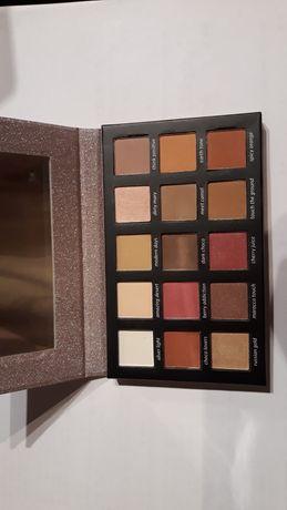 Modern eyeshadow palette