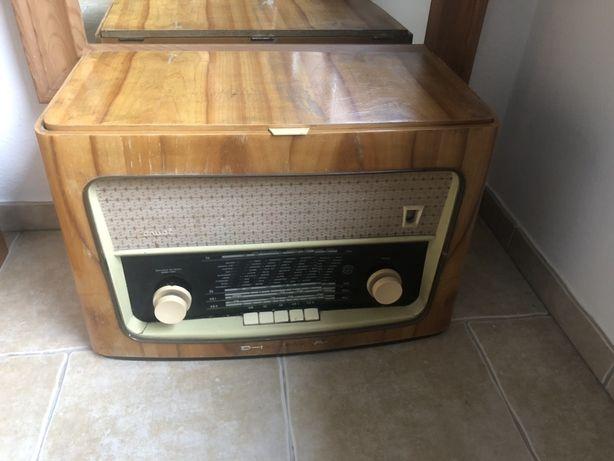 Stare radio z gramofonem