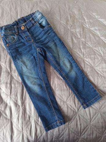 Next 98 cm super jeansy rurki z efektem sprania