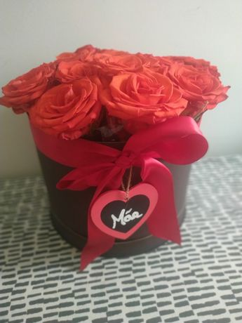 Caixa com rosas naturais