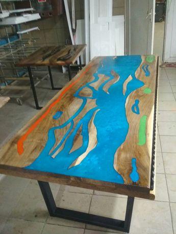 столи горіх і метал каркас  лофт