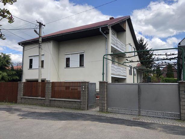3 етажний Дом 700квм м.Мукачево Димитрова 25