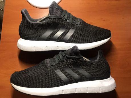 Кроссовки Adidas оригинал 44