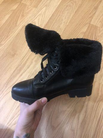 Ботинки зимние черные  38р