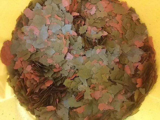 Flocos para herbivoros com spirulia e alho avulso 1000 ml