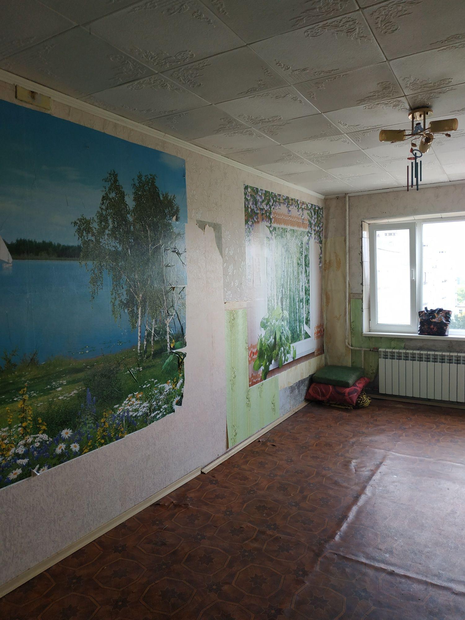 Половки .ул. Великотырновськая, большая квартира под ремонт.