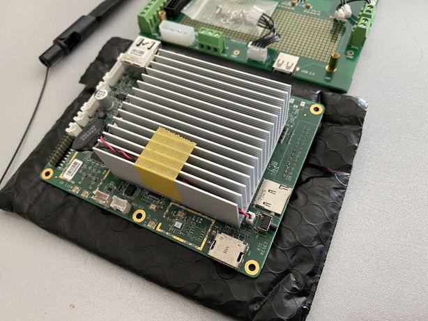 Mini PC Atomic Pi + Vision Camera + Breakout Board