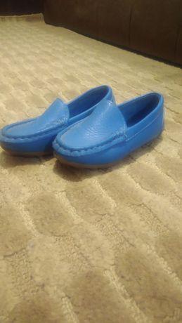 Туфли ,мокасины на мальчика 27 размер