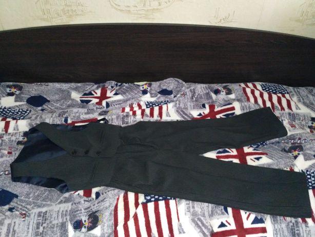 Школьный костюм штаны с жилеткой