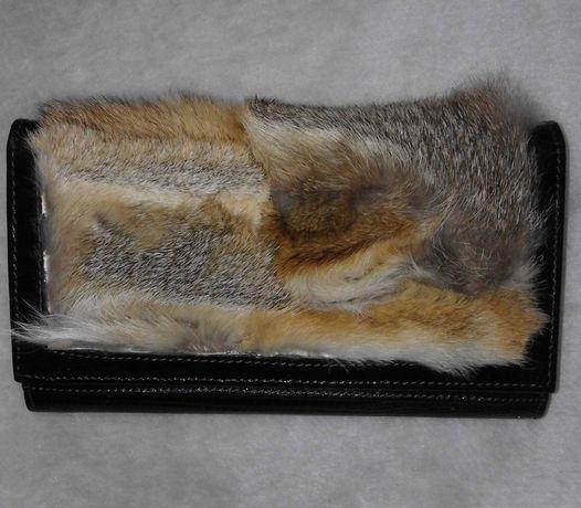 Кожаный кошелек с мехом