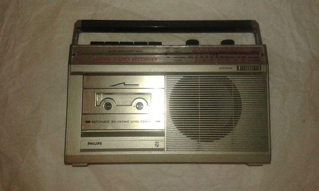 Rádio AM/FM Philips mod. D 7017/00 com leitor de cassetes avariado