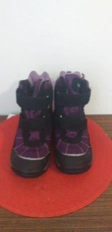 Buty zimowe filoletowe dla dzieczynki rozmiar 35