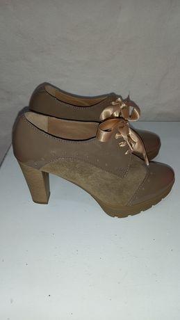 Sapatos / sandalias 39