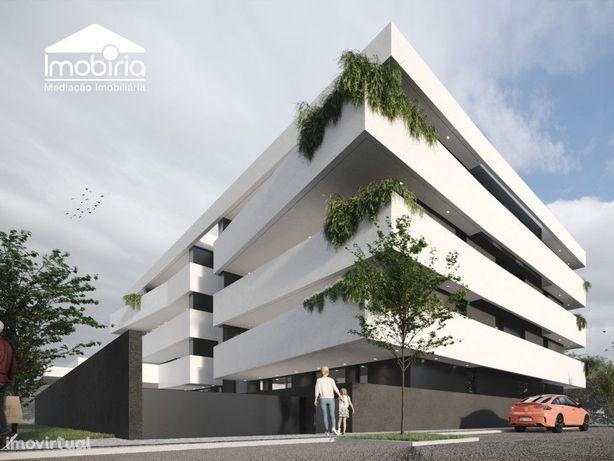 Apartamento T2 DUPLEX Varanda 1 Estacionamento Venda Avei...