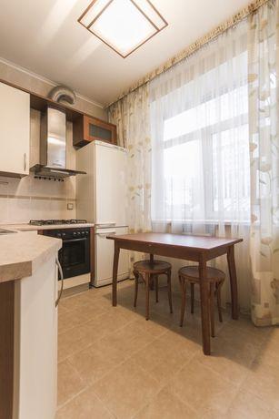 Аренда 3-комнатной квартиры 93м2 в центре Киева, Бассейная 23