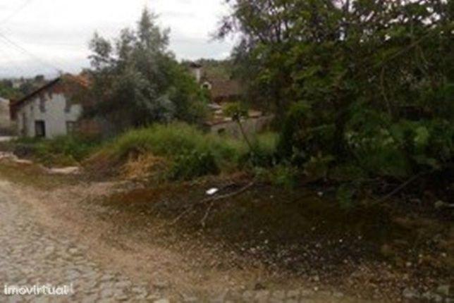Moradia M2, Poiares ( p/ remodelar ) (V211PV)