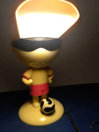 Lampka na biurko. Czytaj opis