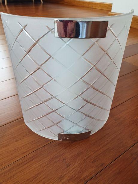 Kinkiet półokrągły szklany