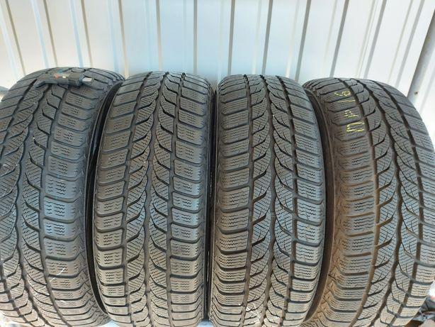 Зимові шини 205/60/16 Uniroyal 4колеса
