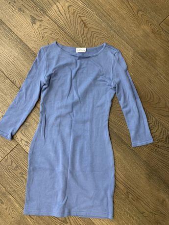 Продам трикотажное платье футляр