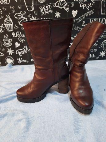 Демисезонные кожаные ботинки 37 размера