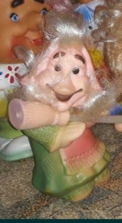 Продам резиновую игрушку Бабу Ягу